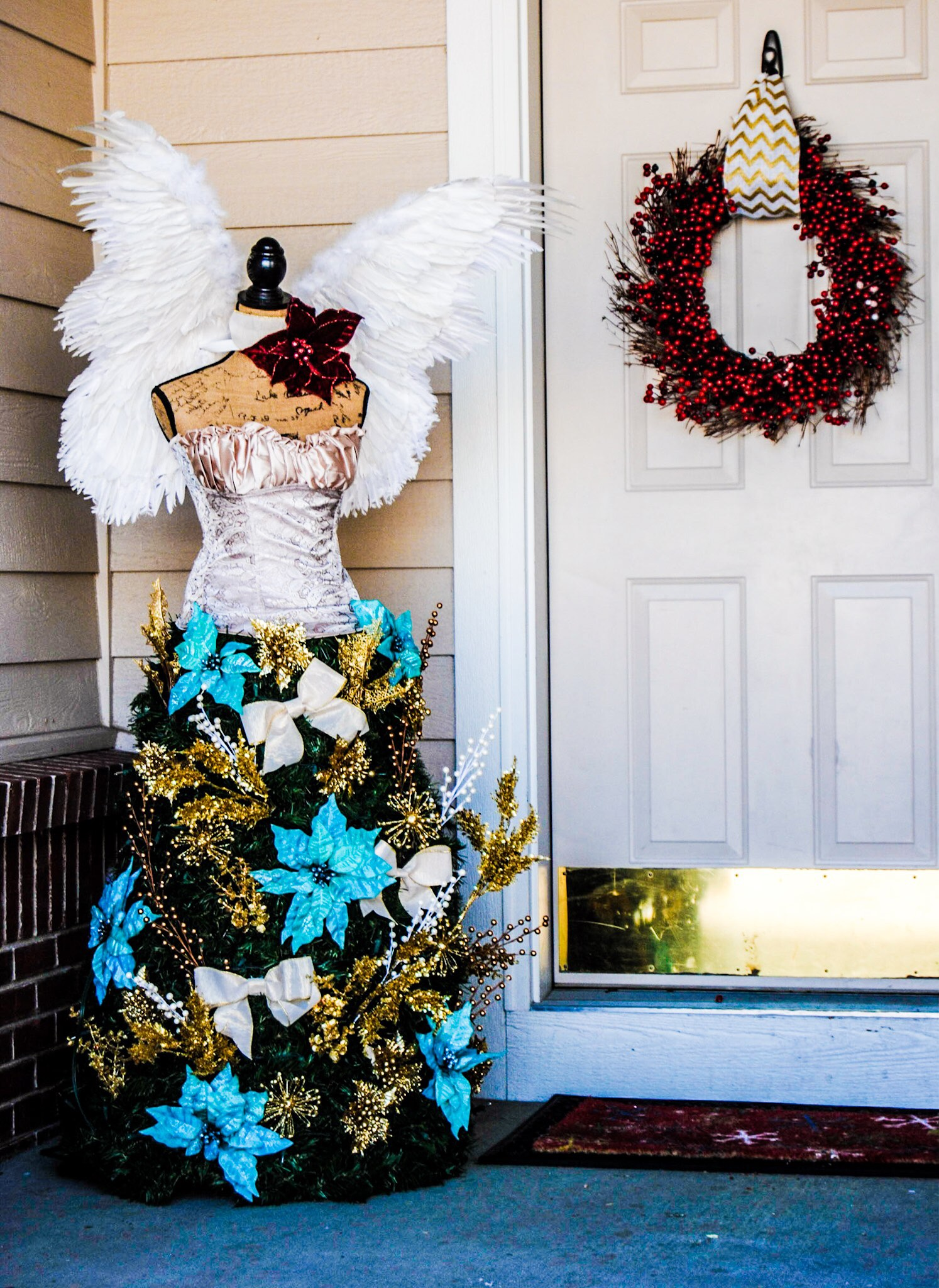 Christmas Tree Dress Form - The Everything Housewife.com